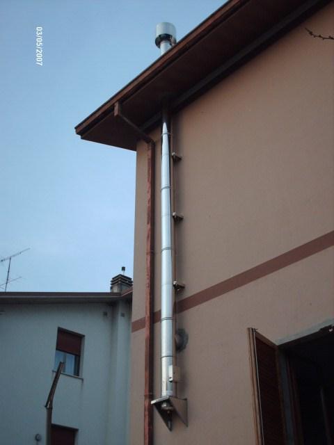 Installazione di stufe a legna e a pellets barchi - Stufa a metano con canna fumaria ...